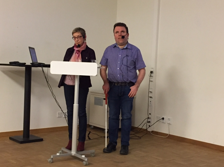 Anne-Marie Jansson på Taltidningen berättade om taltidningar för personer med synnedsättning och den lättlästa taltidningen Fredagsgodis.