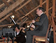 Tomas Gertonsson, kontrabas och Anders Emilsson, klarinett  har flyttat upp på skullen foto Lennart Castenhag