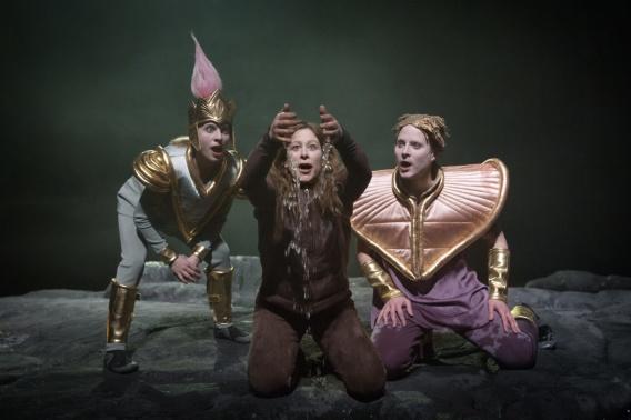 """Kostym av Matilda Hyttsten från Orionteaterns """"Monster och Gudar"""". Foto Jonas Jörneberg"""