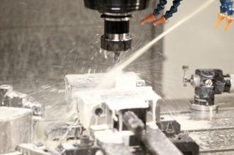 Fräsning i vår senaste CNC fräs
