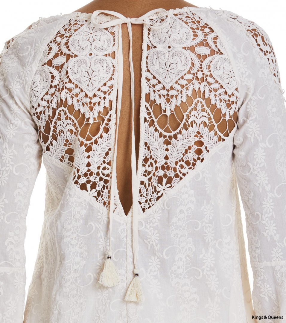 3942_d6ba9a48fa-517t-526-golden-ls-blouse-light-porcelain-detail