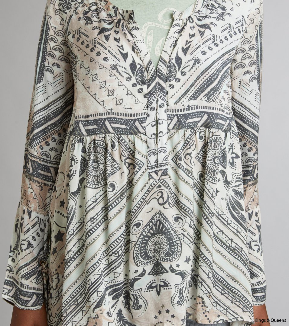 4193_90c0de1d3a-717t-861-grace-ls-tunic-earth-detail