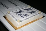 Tårta och tapet matchar....