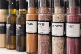 Nicolas Vahe´s populära salter, kryddor,oljor och vinäger. Snygga, goda  och perfekta presenter.