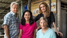 Skådespelare från tv-serien 30 grader i februari. Fyra av filmens största rollinnehavare på gruppfoto, förmodligen taget i Thailand.