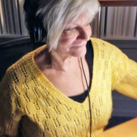 Lily Bigestans i studion