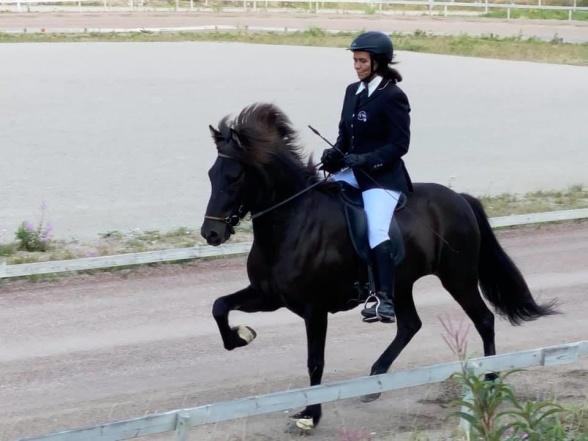 Maria och Dimma på tävling hösten 2020.