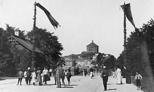 Slottsskogsgrindarna ca 1900 (bilden tillhör Göteborgs Stadsmuseum)