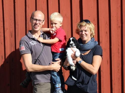Harald, Erik och Linda Hasselblad med Tuva