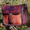 Liten bred handväska - rödbrun
