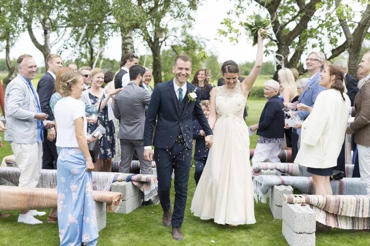 Lantlig vigsel & bröllop  mitt i Halland. Lantlig idyll för er som önskar ett bröllop & vigsel på gård nära havet mellan Varberg & Falkenberg, Halland. Fotograf Linus Karlsson