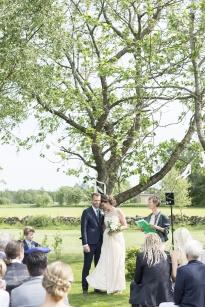 Lantlig trädgårdsvigsel och bröllop i Rönnås Lada, mellan Varberg & Falkenberg Fotograf Linus Karlsson
