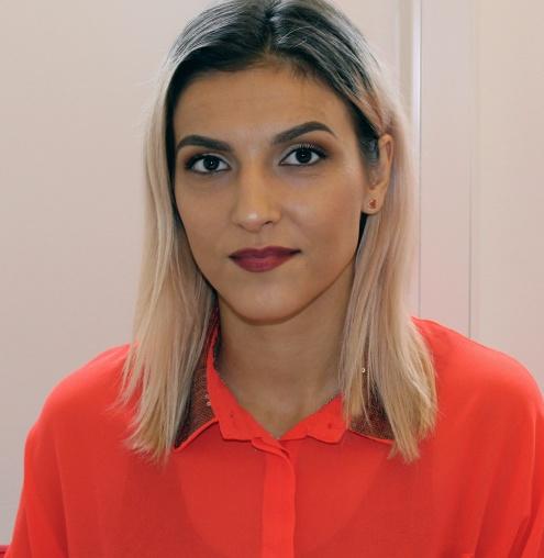 Nermina Palavrtic går på SFI D i Hjällbo, och kommer läsa vidare på Allmän kurs efter att hon är färdig.