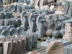 Vattenstenar & stenfontäner hos Dammcenter i Önnestad