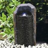 vattenstenar granitfontän stenfontän trädgårdskonst