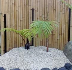 bambu japansk trädgård asiatiska figurer trädgårdskonst