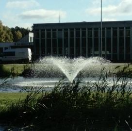 Flytande fontän oase maxi , fontän till stora dammar, fontäner för offentligt bruk