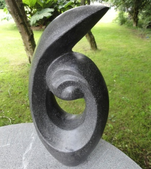 trädgårdskonst, modern trädgård, trädgårdsfigur terazzo