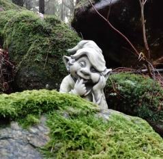 Trädgårdskonst önnestad, trädgårdsfigur, trädgårdstroll