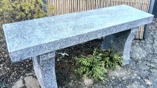 stenbänk granitbänk bänk i natursten