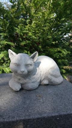 Trädgårdskonst , trädgårdstaty, konstmarmor katt