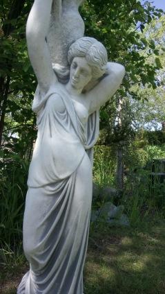 trädgårdskonst, trädgårdsfigur, vit marmorkonst, vattenfigur