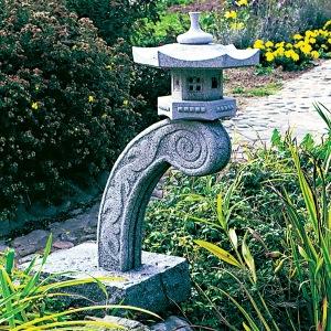 japansk trädgård , japanskt granithus Rankei lanterna zen trädgårdskonst