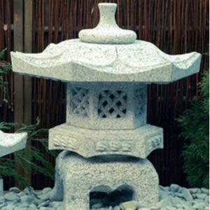 japansk trädgård japanskt granithus zen rokkaku Yukimi