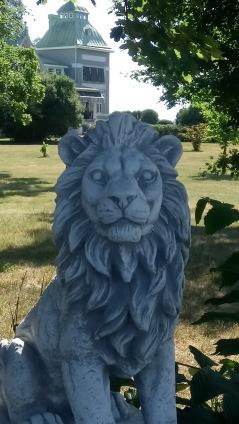 trädgårdskonst. lejon, marmorkonst,