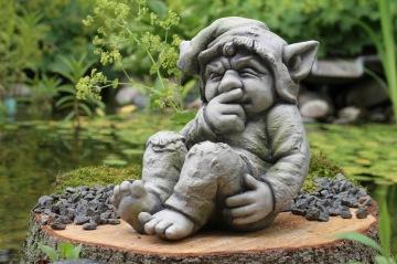 trädgårdskonst , stenfigurer , trädgårdstroll