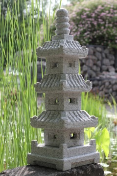 Japansk trädgård japanska granithus pagoder pagod zen trädårdskonst