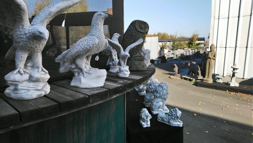 statyer trädgårdskonst