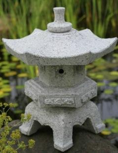 Japansk trädgård stenlykta