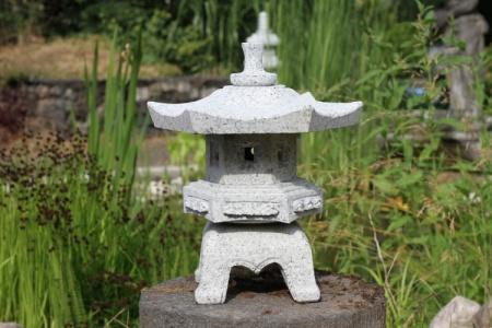 Rokkaku japansk trädgård natursten