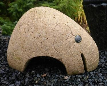 Trädgårdskonst natursten elefant