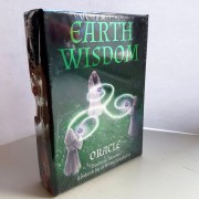 Earth Wisdom Oracle Cards av Barbara Moore - in English