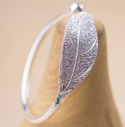 Silverplated Bracelet with leaf
