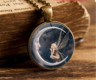 Pendant Cabochon - Man in the moon with fairy - 2 colors - Brass colored