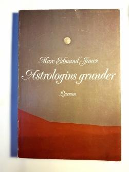 Astrologins Grunder av Dr Marc Edmund Jones - På Svenska