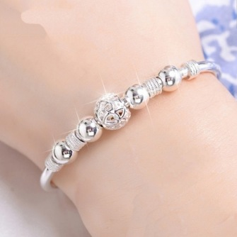 Silverplated Bracelet with silver beeds -