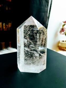 Quarts Crystal Obelisk ca 800 gram -