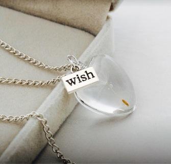 Handmade heartshaped dandelion necklace -