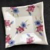 Keramikfat - Blå & rosa blommor