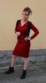 Stina klänning röd sammet - Stina klänning röd