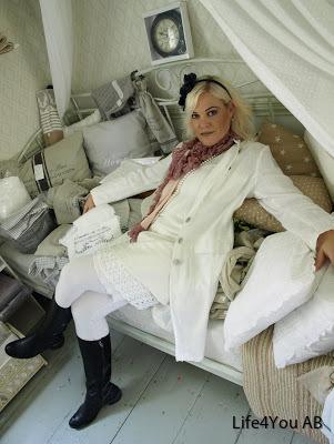 Diana tunika, handvirkad shila kjol,johanna kappa och Amanda tights