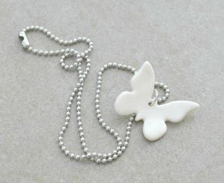 Halsband Fjäril - Halsband Fjäril vit porslin
