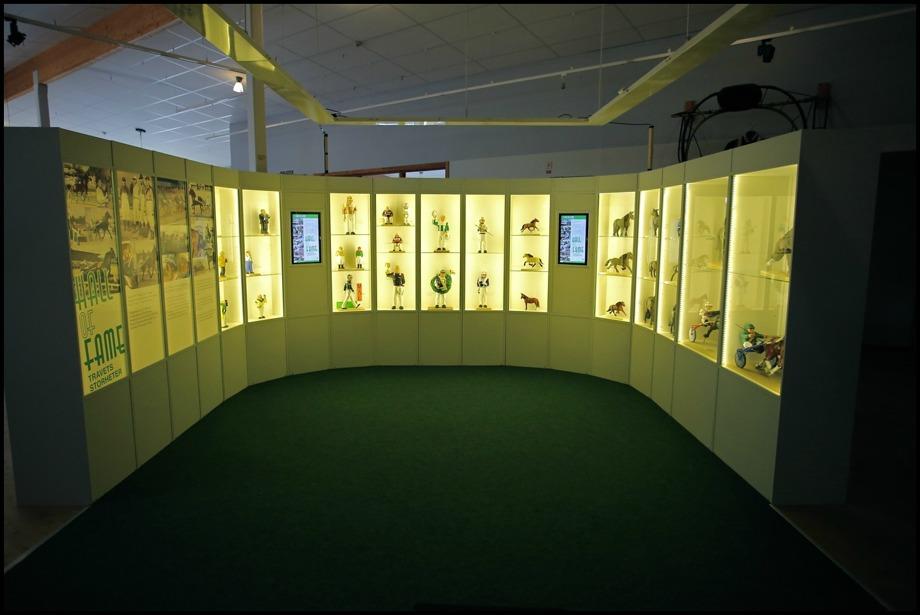 Nordiska Travmuséet - utställningslokalen på övre plan, med Hall of Fame.