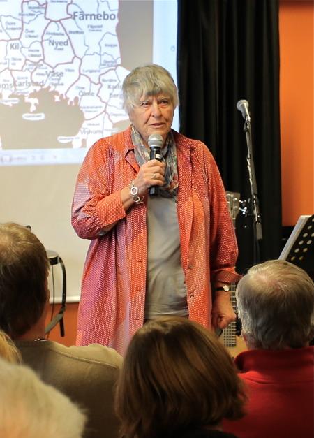 """Eva Paulsson berättade om sina upplevelser när hon 1964 producerade TV-serien """"Lilla samhället"""", som handlade om livet i Årjäng med omnejd. De nio avsnitten av """"Lilla samhället"""" kommer att fr o m 1 januari 2015 finnas tillgängliga på SVT:s öppet arkiv, där alla kan gå in och titta på avsnitten kostnadsfritt."""