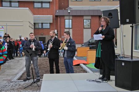 Kommunalrådet Katarina Johannesson höll invigningstalet.