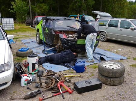 11 september 2010 - Det är mycket som går sönder på en folkracebil.